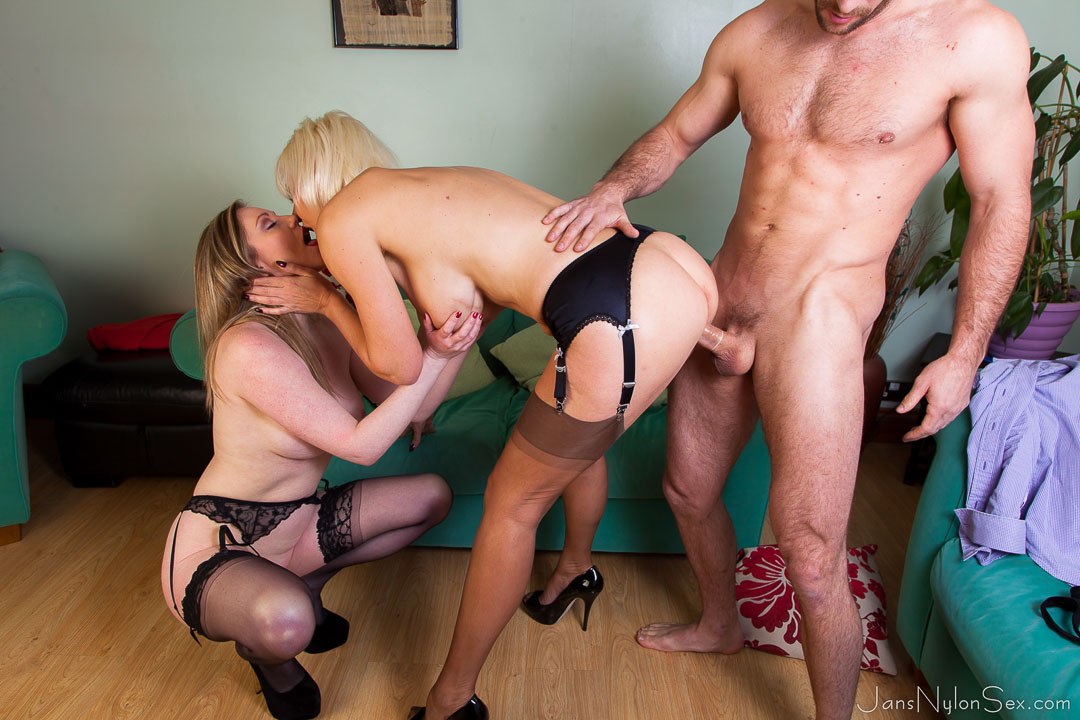 Glamour milf banged by male escort 1