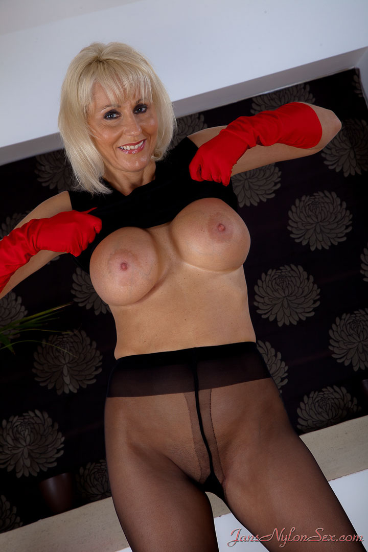 Milf In Pantyhose Jane 15